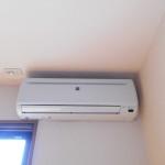 冷房専用エアコン完備