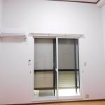 断熱効果の高い二重サッシとシャッター付きの窓